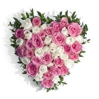 Midnight Flowers Delivery in Hyderabad : Pink White Roses Heart 50 Flowers to Vishakhapatnam