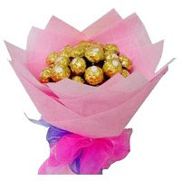 Birthday Gift Delivery in Khammam. 16 Pcs Ferrero Rocher Bouquet Delivery to Khammam