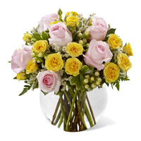 Buy Diwali Flowers to Hyderabad, Yellow Pink Roses Vase 18 Flowers Delivery in Hyderabad